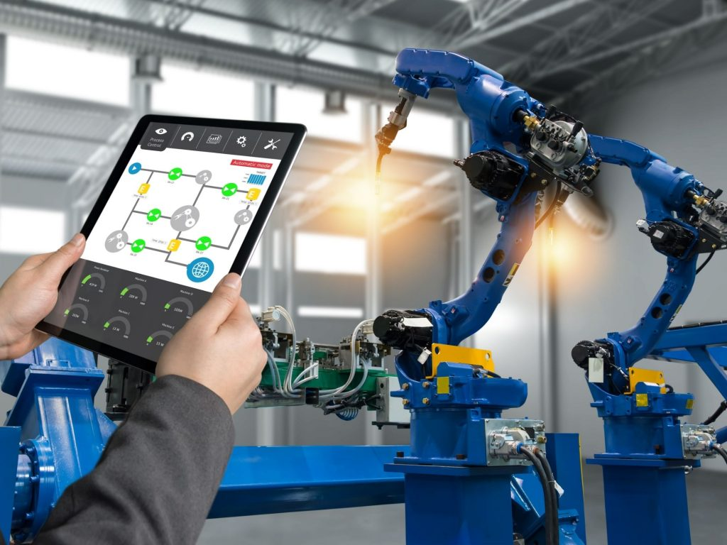 Managing Manufacturing Lifecycle with IoT Advancements